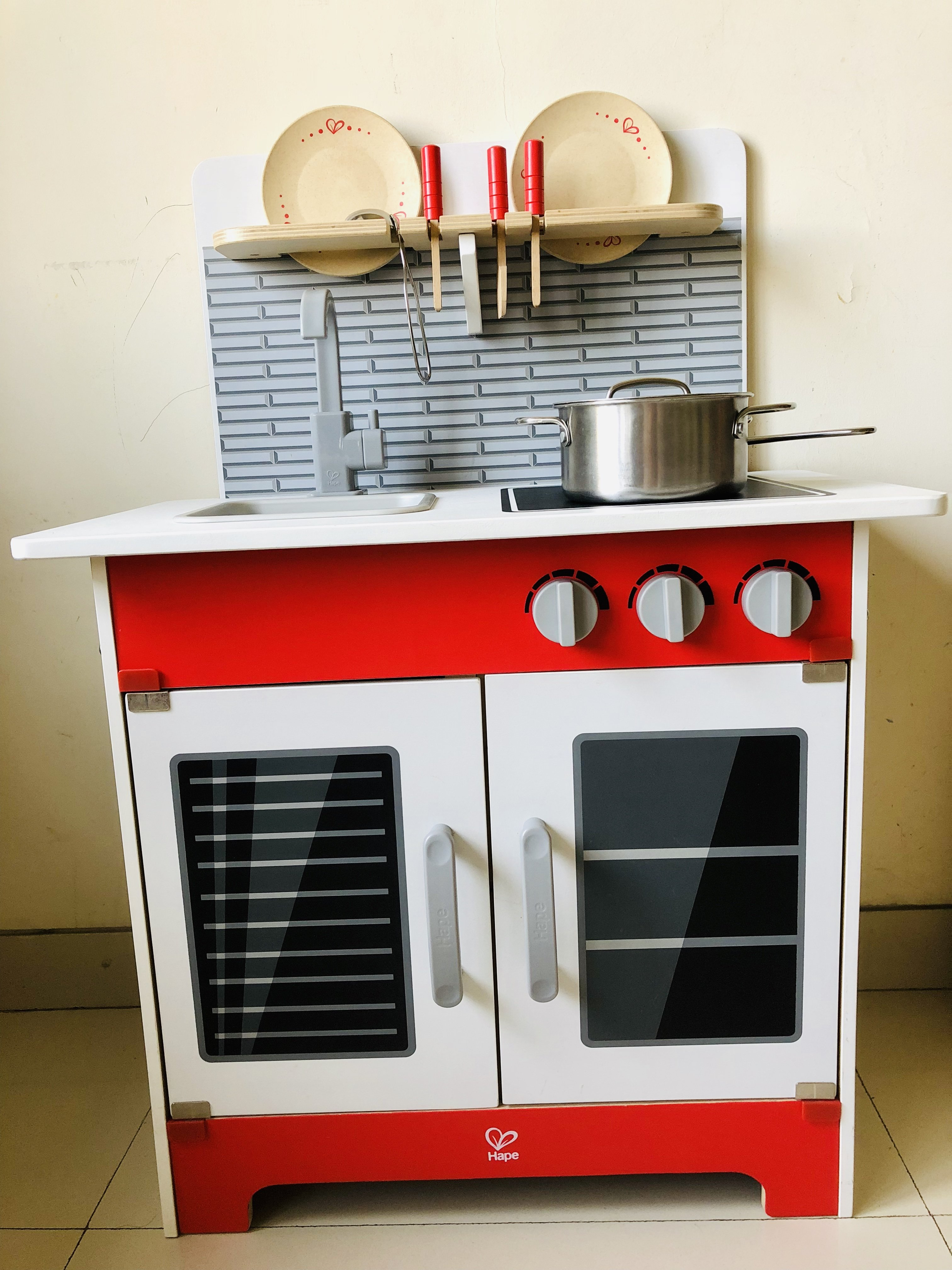 Hape play kitchen set