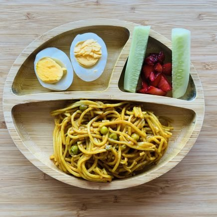 toddler meal idea-masala noodles with egg